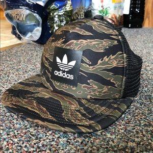 Addidas SnapBack Hat